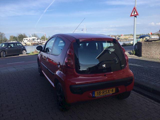 Peugeot 107 1.0-12V XS airco