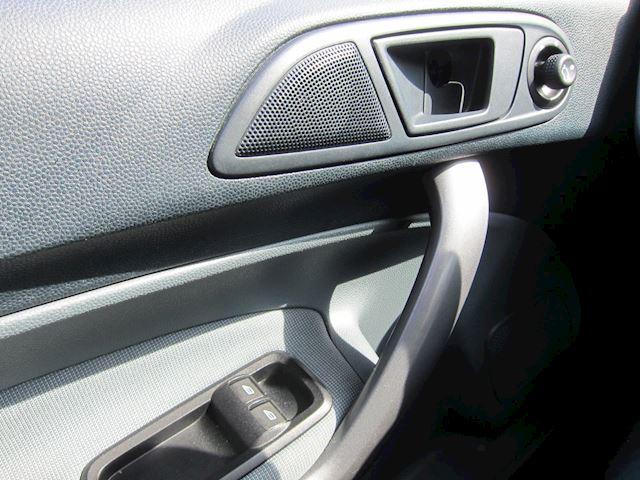 Ford Fiesta 1.4 TDCi TREND 92000 KM APK 04-2022 5 DEURS!!