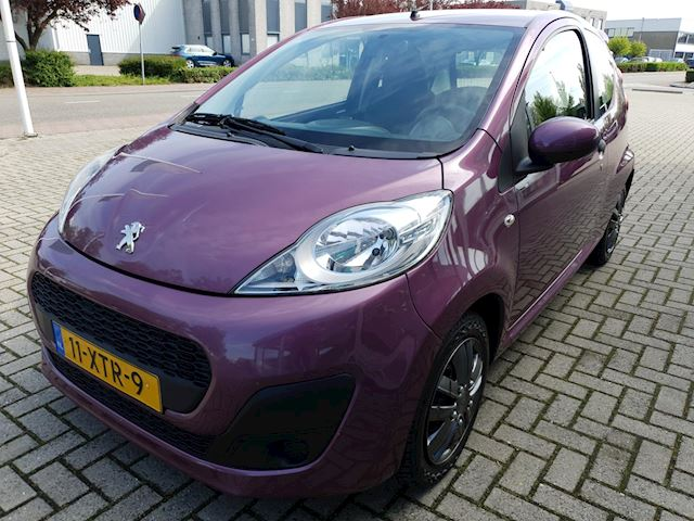 Peugeot 107 1.0 Access Accent met airco!