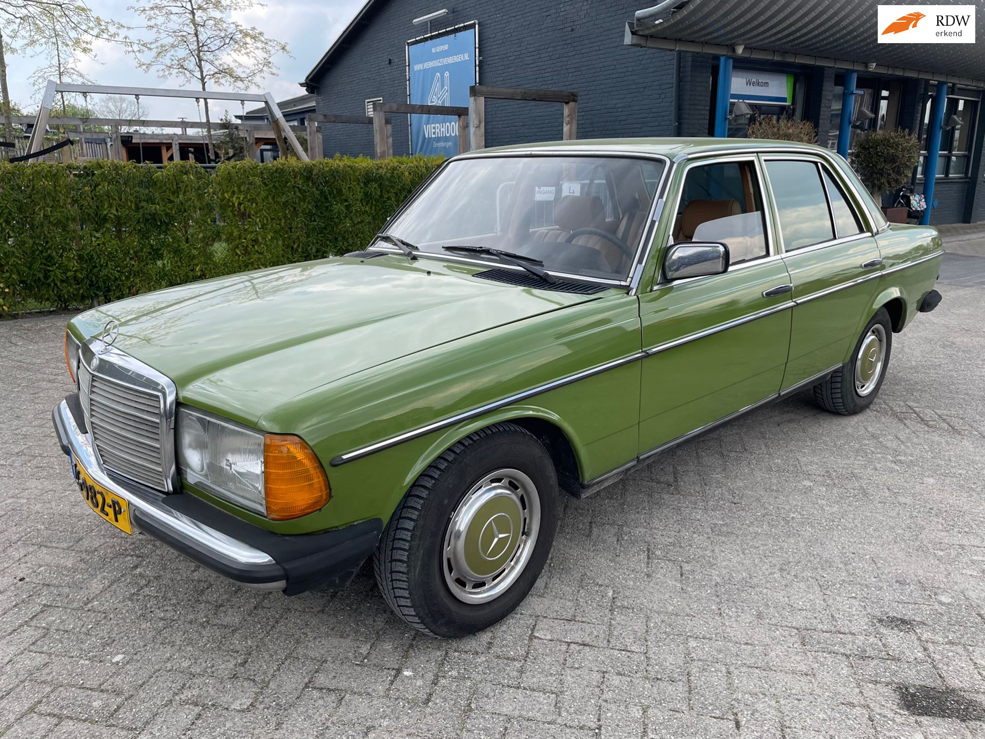 Mercedes-Benz 200-280 W123 occasion - Limited Car