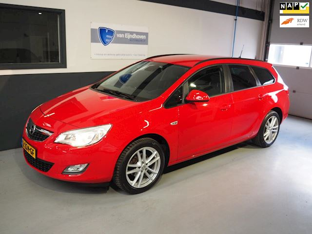 Opel Astra Sports Tourer 1.4 Turbo Selection CruisePDCLMV