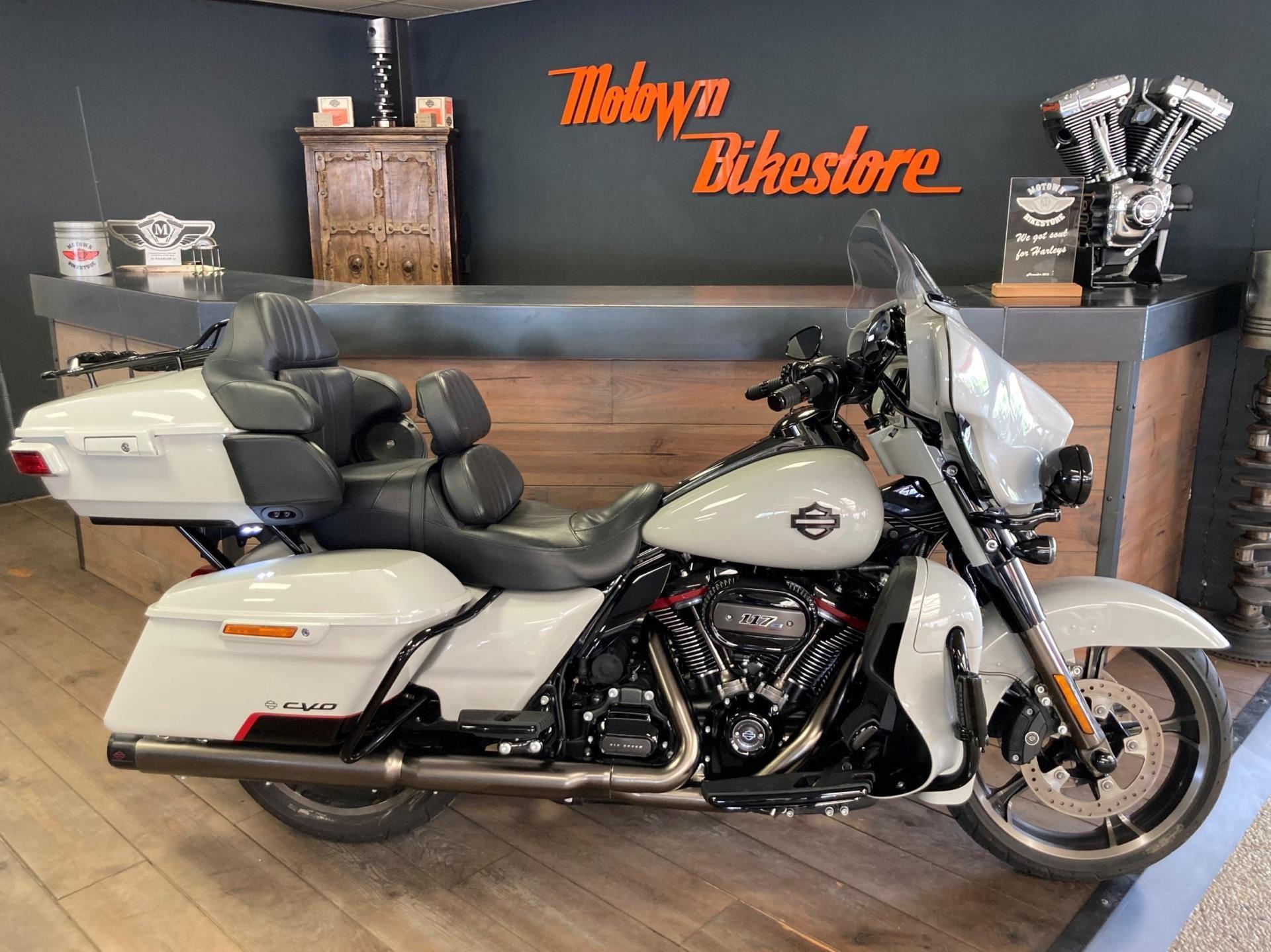 Harley Davidson FLHTKSE CVO Ultra Limited 117Ci occasion - Motown Bikestore