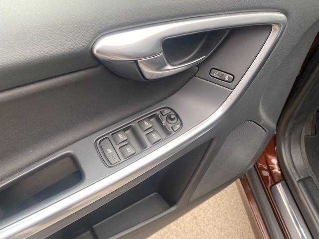 Volvo XC60 GRIJS Kenteken,automaat.