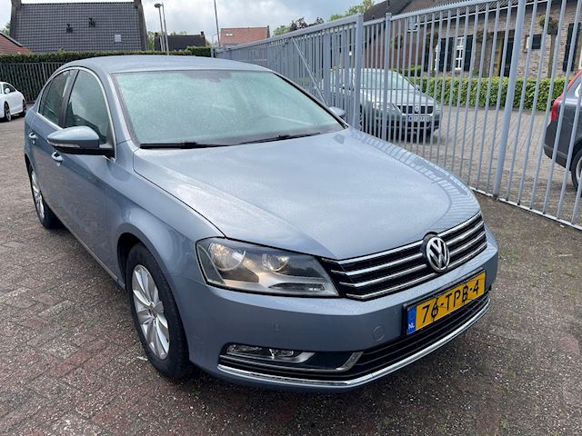 Volkswagen Passat 1.6 TDI High Executive Line BlueMotion  sedan 200 000 km