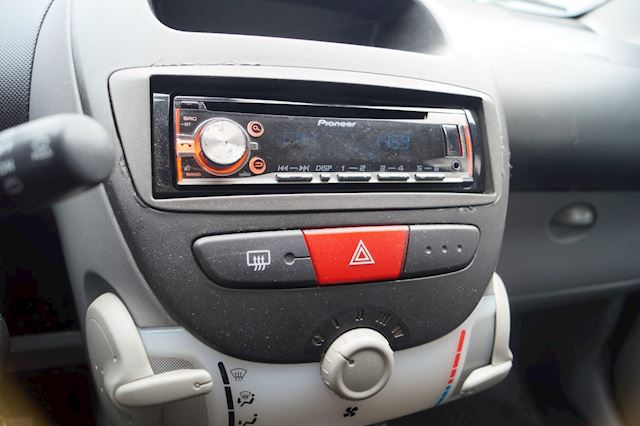 Toyota Aygo 1.0-12V   5-DEURS   CV   GARANTIE   N.A.P