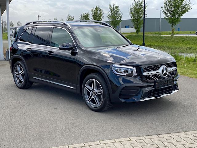 Mercedes-Benz GLB 200 Business Solution AMG automaat . M-bux , sfeerverlichting