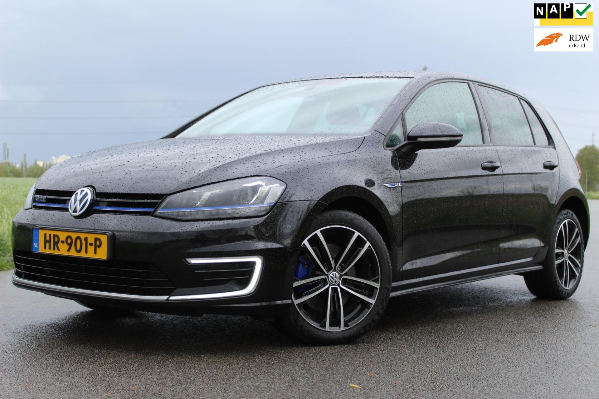 Volkswagen Golf occasion - Autobedrijf Simmeren & Veenstra