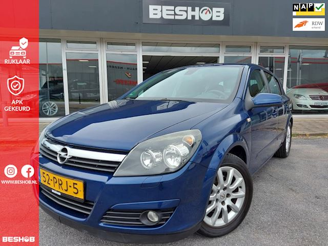 Opel Astra 1.8 Cosmo, nwe APK, nette auto