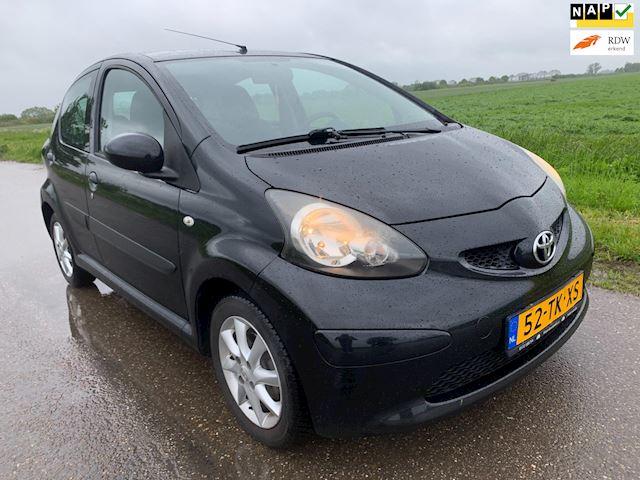 Toyota Aygo 1.0-12V + 5 drs / 100.000 km