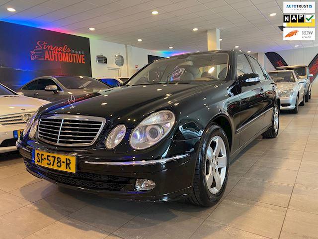 Mercedes-Benz E-klasse 500 Elegance. In perfecte staat en schitterende sjieke kleurstelling. In perfecte staat van onderhoud.