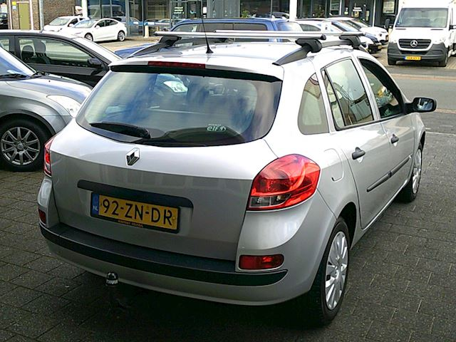Renault Clio Estate 1.2 TCE Expression (AIRCO/trekhaak)