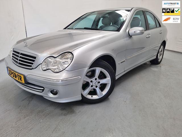 Mercedes-Benz C-klasse 200 K. Avantgarde / Automaat / Navigatie / Airco