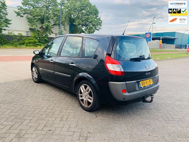 Renault Grand Scénic 2.0-16V Privilège Luxe Pano-7-Zits