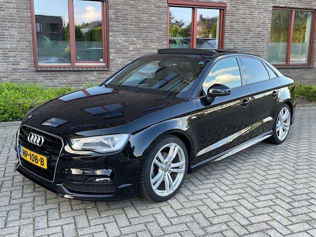 Audi A3 Limousine 1.6 TDI  Sport Edition S-Line Panorama Dak