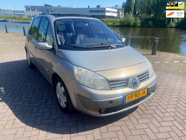 Renault Scénic 2.0-16V Privilège Luxe 1e eigenaar panorama dak airco stereo nieuwe distributieriem en beurt rijd als nieuw