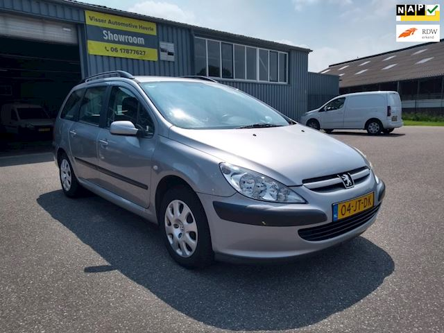 Peugeot 307 Break 1.6-16V XS Airco/Trekhaak ! Goed onderhouden ! Automaat ! APK tot 10-2021 !