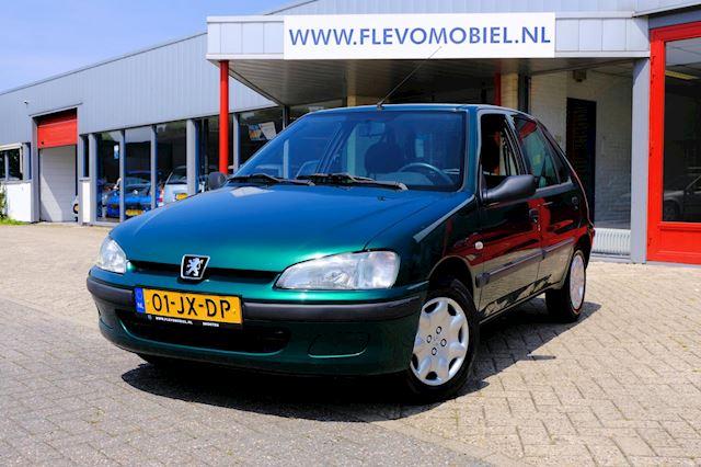 Peugeot 106 occasion - FLEVO Mobiel