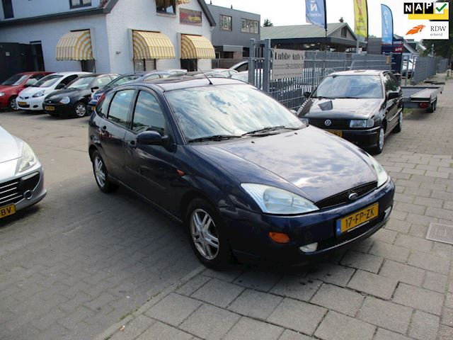 Ford Focus 1.6-16V Trend airco 5drs nap nw apk