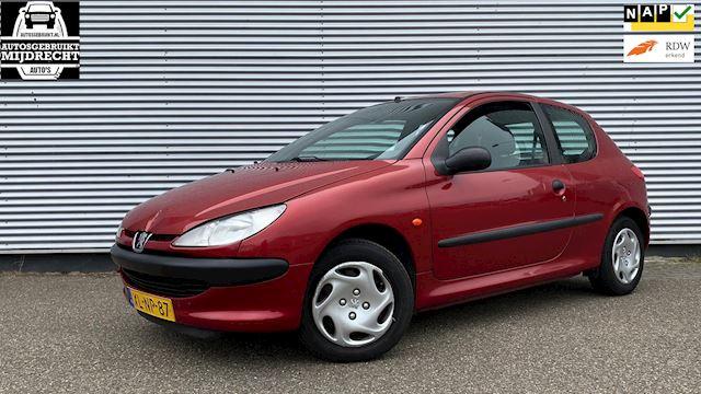 Peugeot 206 1.4 XR / nieuw apk / 2x sleutels / dealer onderhouden !!