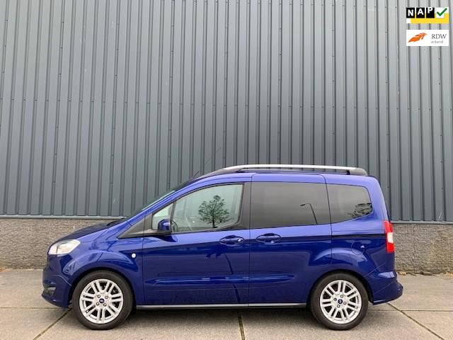 Ford Tourneo Courier 1.0 Titanium, Schuifdeur, Airco, Trekhaak