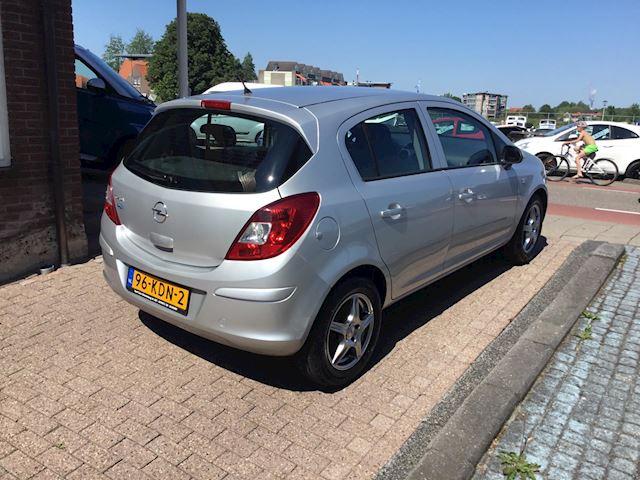 Opel Corsa 1.2-16V Edition airco