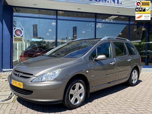 Peugeot 307 SW 2.0 16V Panorama Navi Clima Cruise Trekhaak LmVelgen NL-Auto NAP!