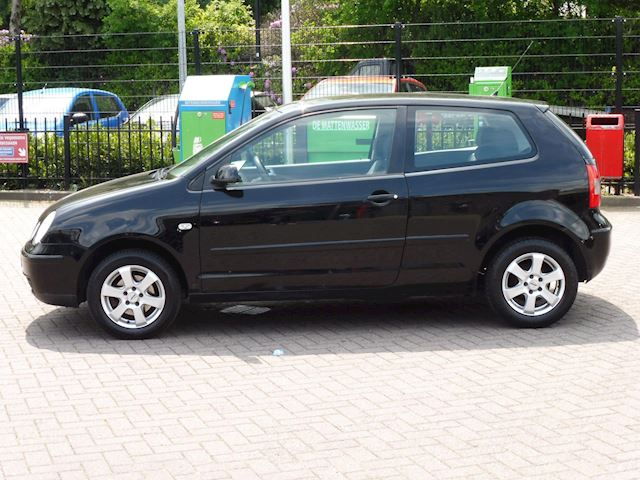 Volkswagen Polo 1.2/bj2005/apk/VERKOCHT