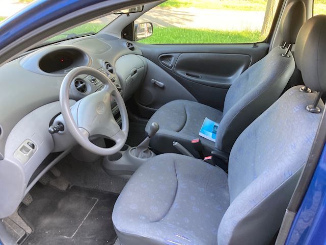 Toyota Yaris 1.0-16V VVT-i YORIN