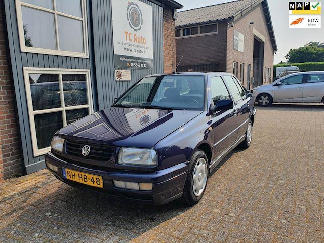 Volkswagen Vento 1.8 GL zeer netjes Kilometers NAP dealer onderhouden automaat