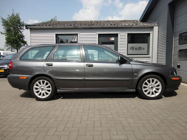 Volvo V40 1.8 Europa ! AIRCO / DEALER ONDERHOUDEN !