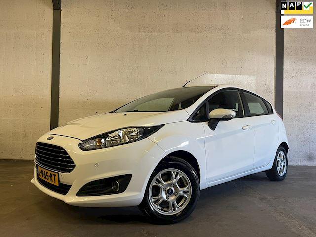 Ford Fiesta 1.25 Titanium Airco, PDC, Stoelverwarming, Dealer Onderhouden !!