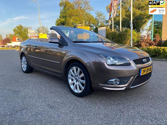 Ford Focus Coupé-Cabriolet 1.6-16V Titanium / AIRCO / CRUISE.CONTROL / LEDER / PDC / STOELVERW / LMV / NAV / NAP....