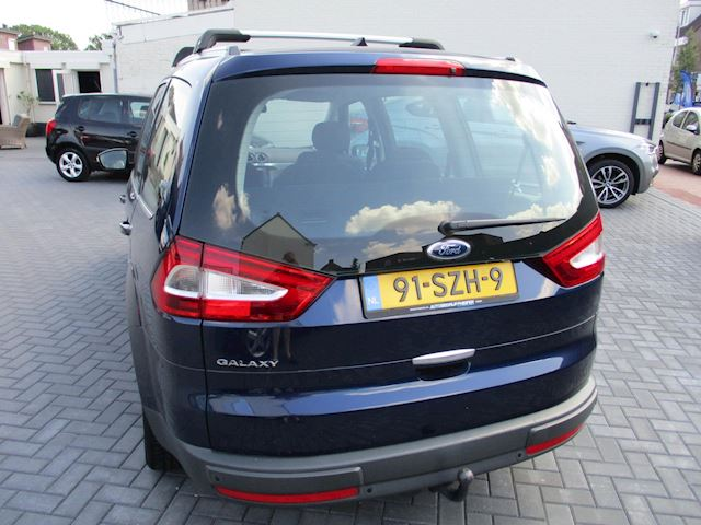 Ford Galaxy 1.6 SCTi Titanium 7 PERS NAVI CLIMA !!