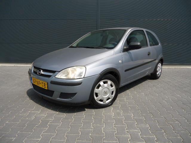 Opel Corsa 1.0-12V bouwjaar 2004 ( nette auto )