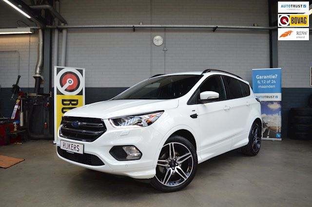 Ford Kuga Ford Kuga 1.5 EcoBoost ST Line 150PK Climate Control, Cruise Control, Navigatie, etc.