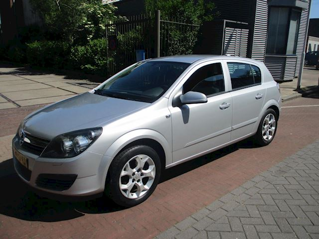 Opel Astra 1.8 Business
