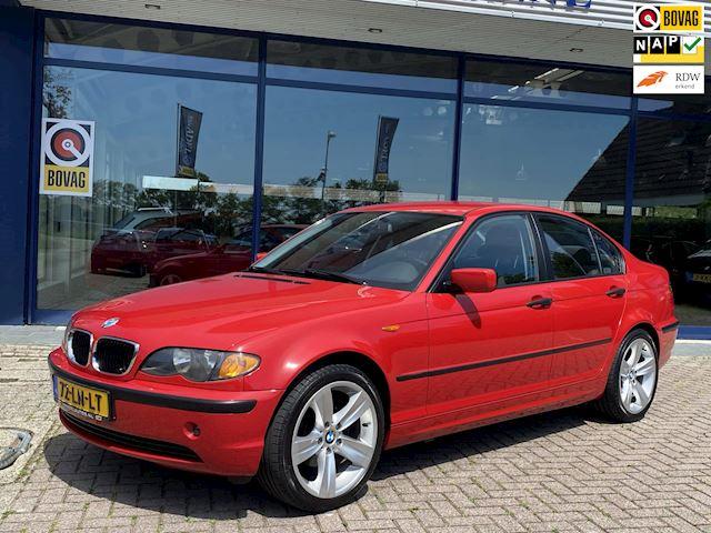 BMW 3-serie 318i 143PK 1e Eig.! Clima Cruise Trekhaak NL-Auto NAP Dealer onderhouden!