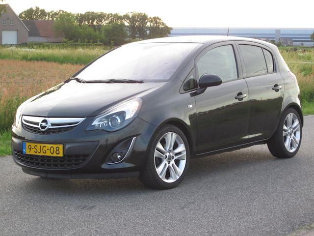 Opel Corsa 1.4-16V Cosmo Aut/ECC/NAVIG/PDC/Half LEER