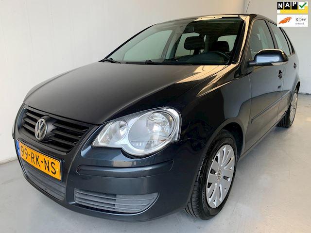 Volkswagen Polo 1.4-16V Airco Elek.ramen Cruise control Radio/cd