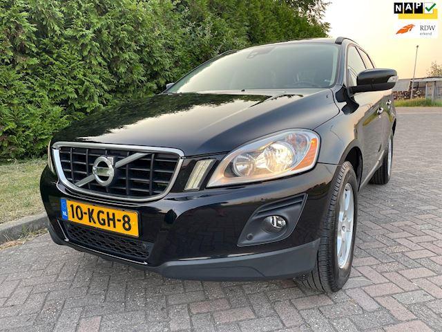 Volvo XC60 2.4D,2e Eigenaar,6 Bak,Navi,Halfleder,175pk,Trekhaak,PDC,Stoelverwarming,Lichtmetalen velgen 17''