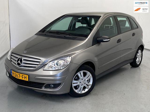 Mercedes-Benz B-klasse 200 / Automaat / Airco / Trekhaak / Stoelverwarming