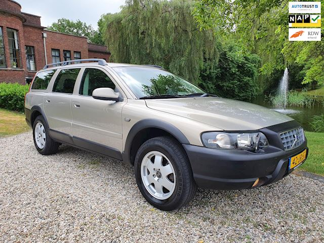 Volvo V70 Cross Country 2.4 T Geartr. YOUNGTIMER