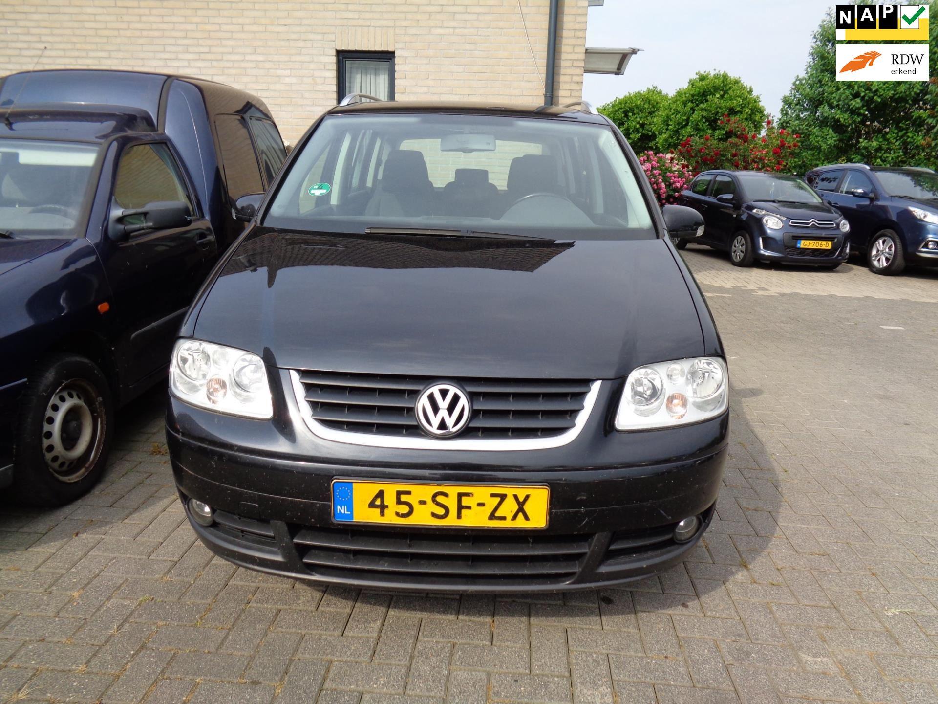 Volkswagen Touran occasion - Autobedrijf M. Joelfan