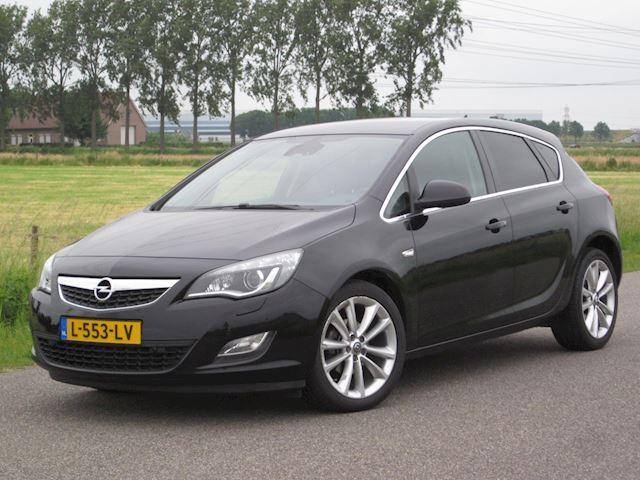 Opel Astra 1.6 Sport Cosmo Full Aut/ECC/Navig/Leer/PDC