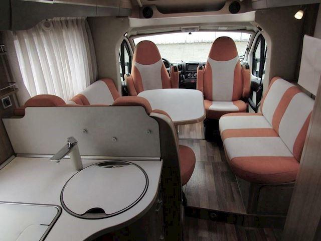 vkHymer Tramp 614 CL Dwarsbed Fiat 131PK dubbele bodem Bj2013