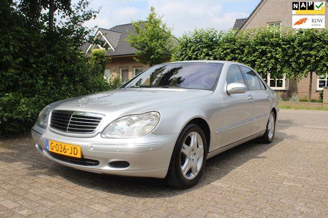 Mercedes-Benz S-klasse YOUNGTIMER  zeer geschikt voor de bijtelling NIEUW STAAT 133000 Km met boekjes 400 CDI Lang