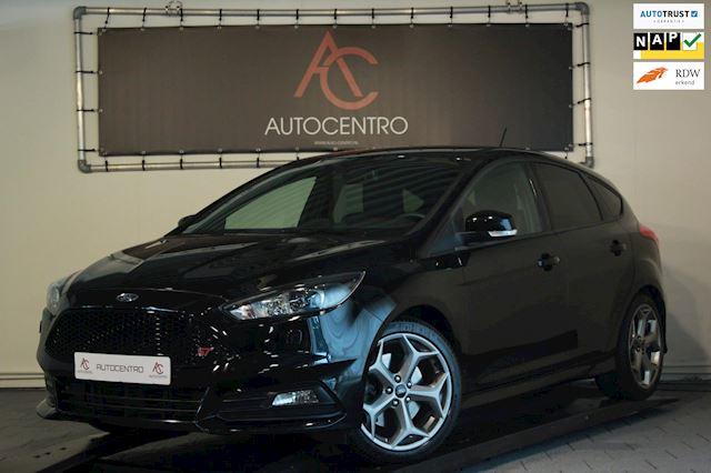 Ford Focus 2.0 ST Performance / Recaro / SYNC3 / Xenon / Stuur&Stoelverwarming