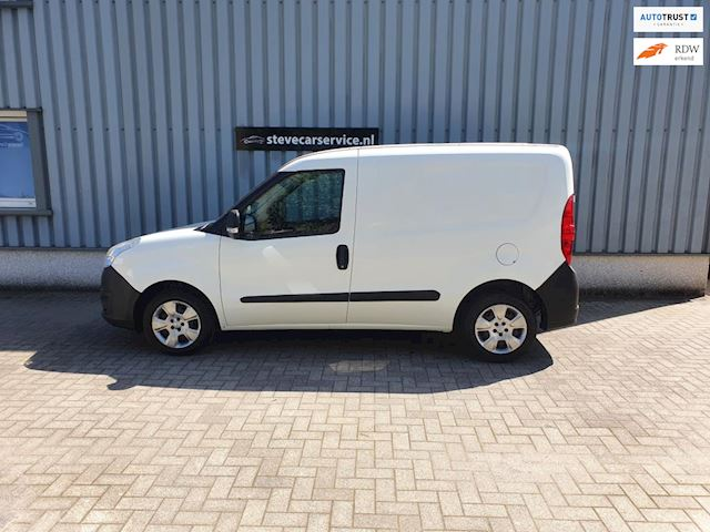 Opel Combo occasion - Steves Car Service