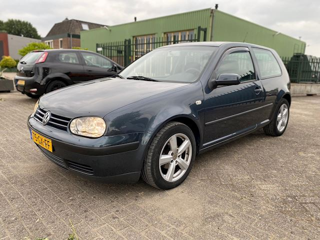 Volkswagen Golf 1.6-16V Trendline *CLIMA*