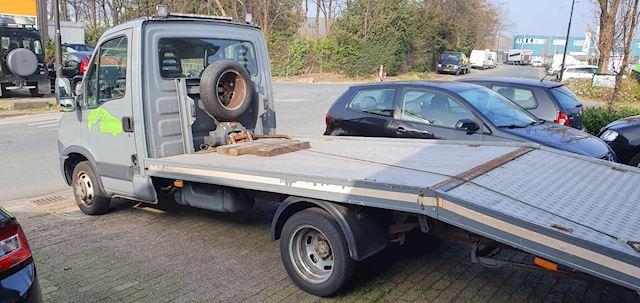 Iveco Daily 35 C Sleepwagen Towtruck Autoambulance Kleine werkz!